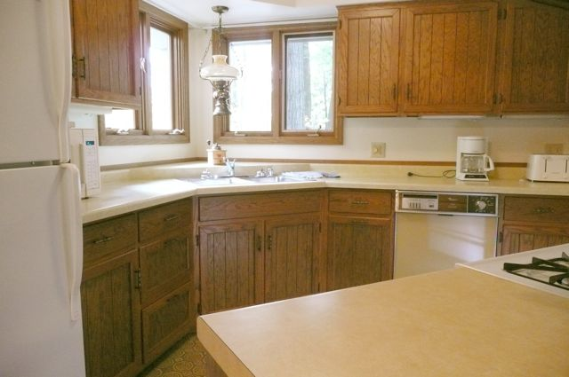 Plenty of Kitchen counter space in Boulder Knoll