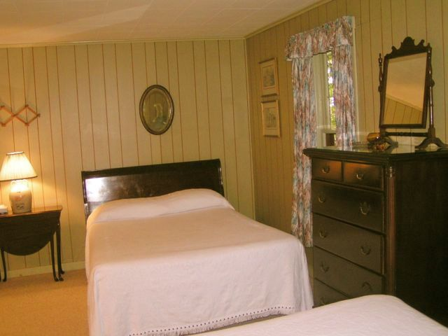 2 Double beds in Hemlock